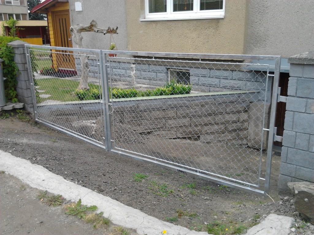 2013.07.30 brána v Klimkovicích