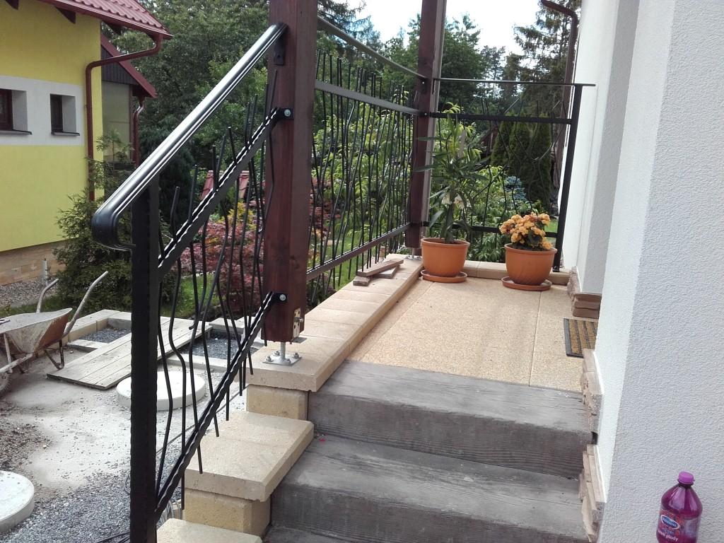 Budišovice - zábradlí na schodišti