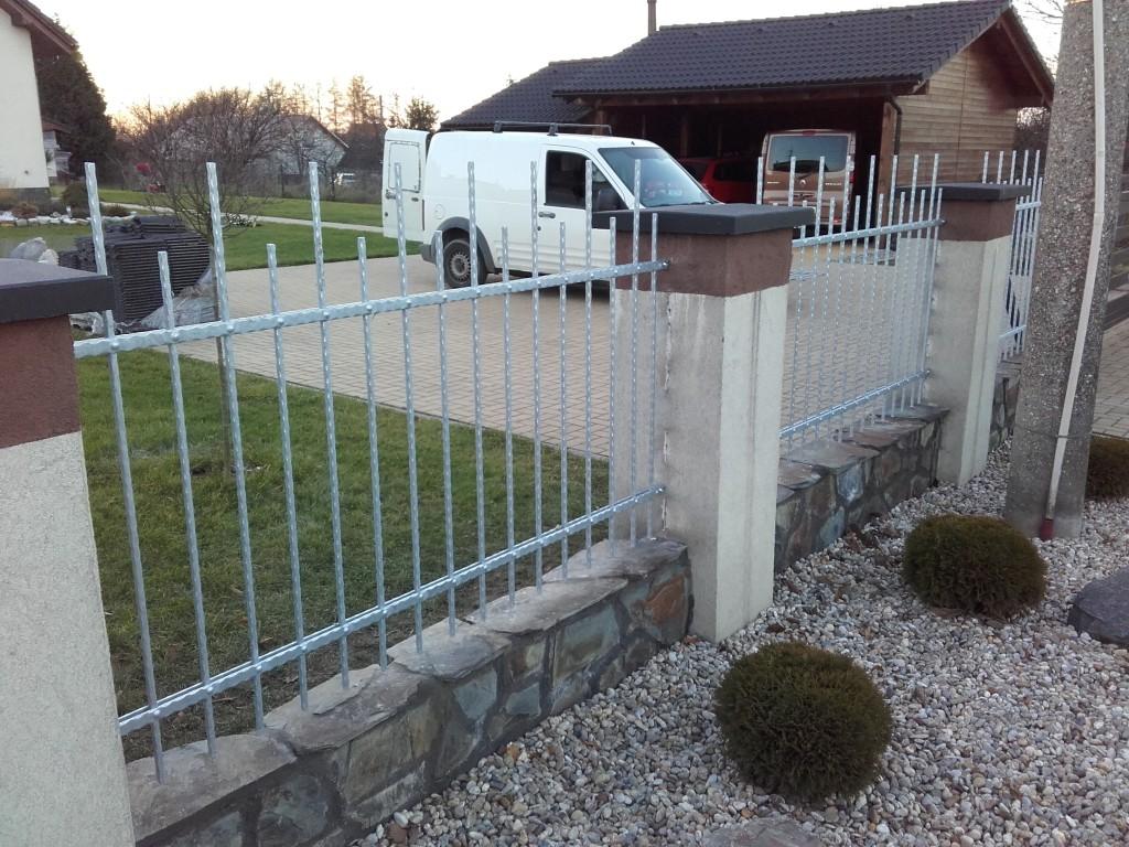 Ocelový plot Radvanice (1)