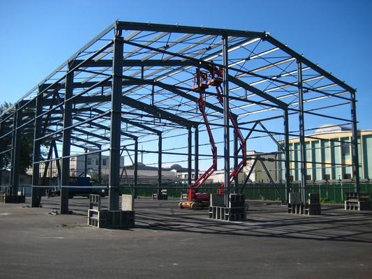 Montáž ocelové konstrukce haly v Průmyslovém centru v Ostravě- Kunčicích