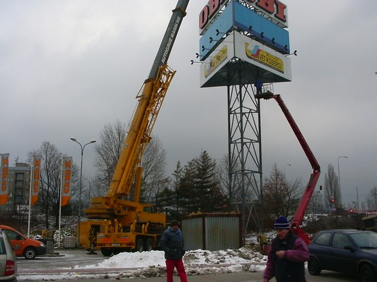 Přesunutí reklamního stožáru u OBI v Ostravě- Zábřehu
